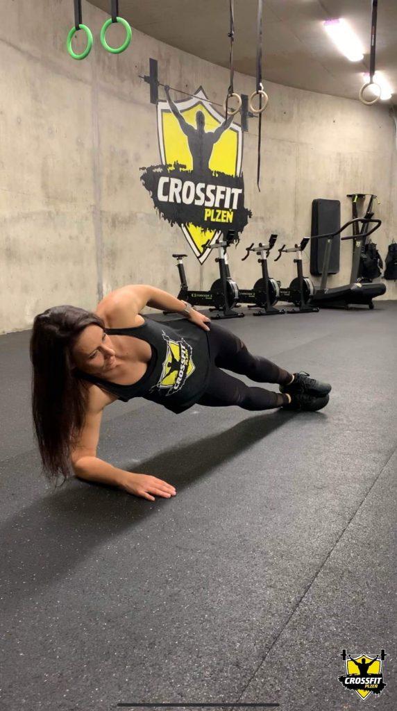 Lucka Side Plank - CrossFit Plzen